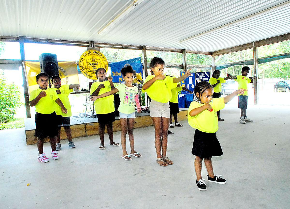 Feasters flock to NAACP picnic