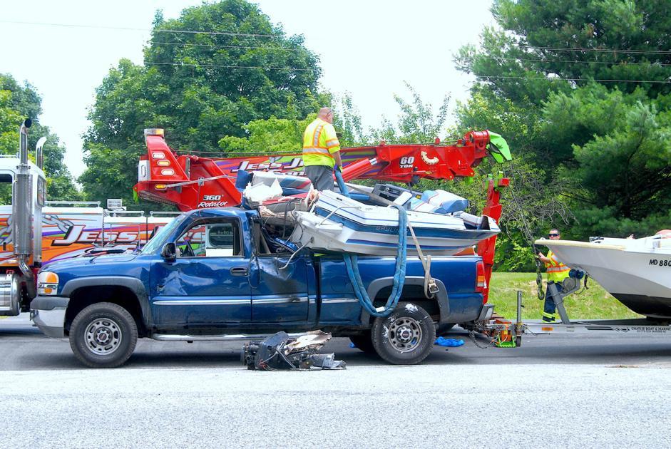 Crash backs up Route 50 | Local | stardem com