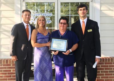 Willis receives Caregivers Award