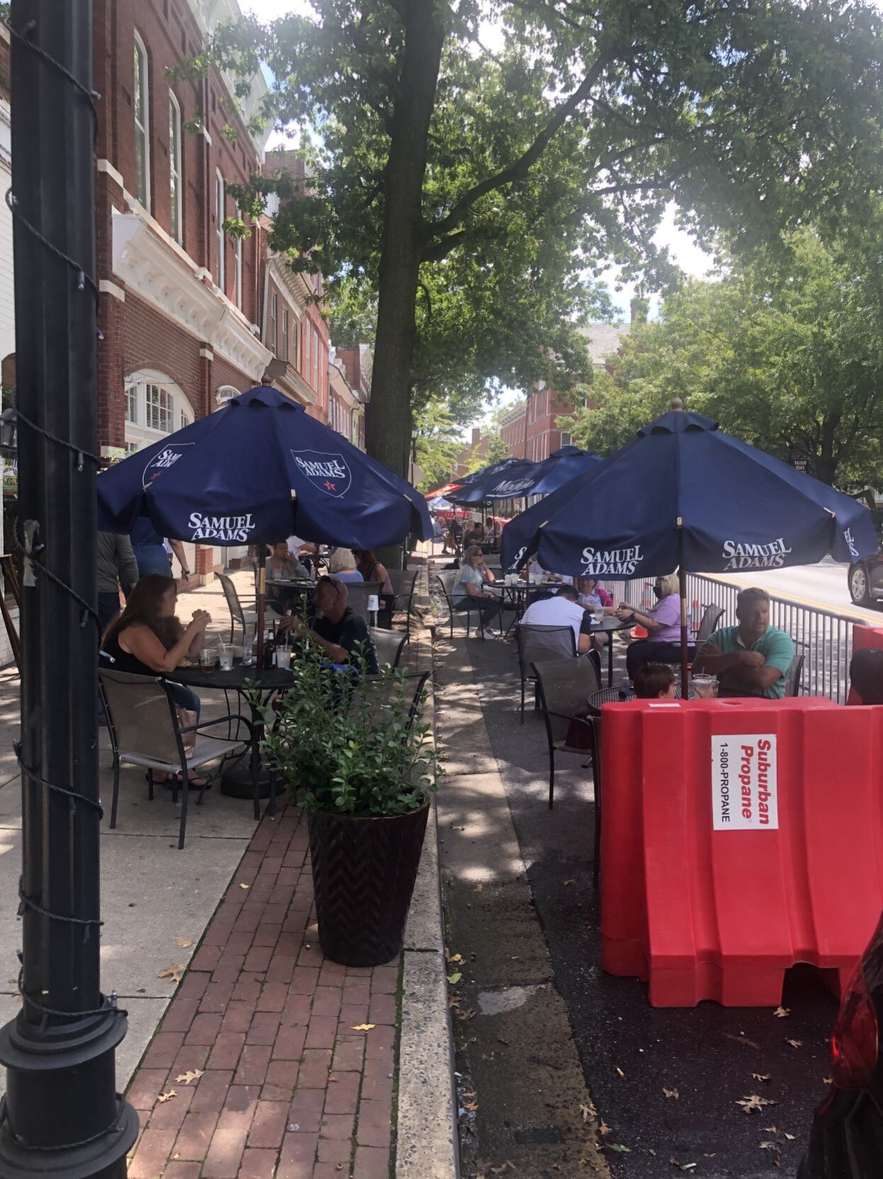 Easton outdoor dining