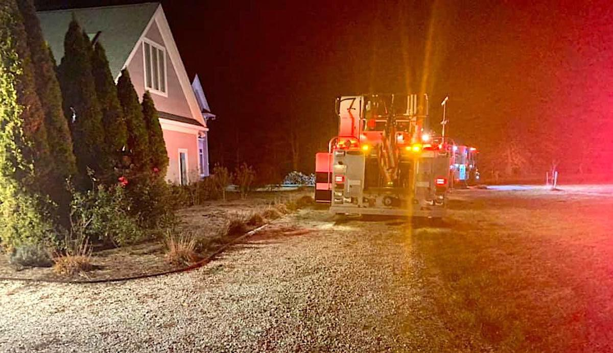 Smoke alarm alerts family to fire
