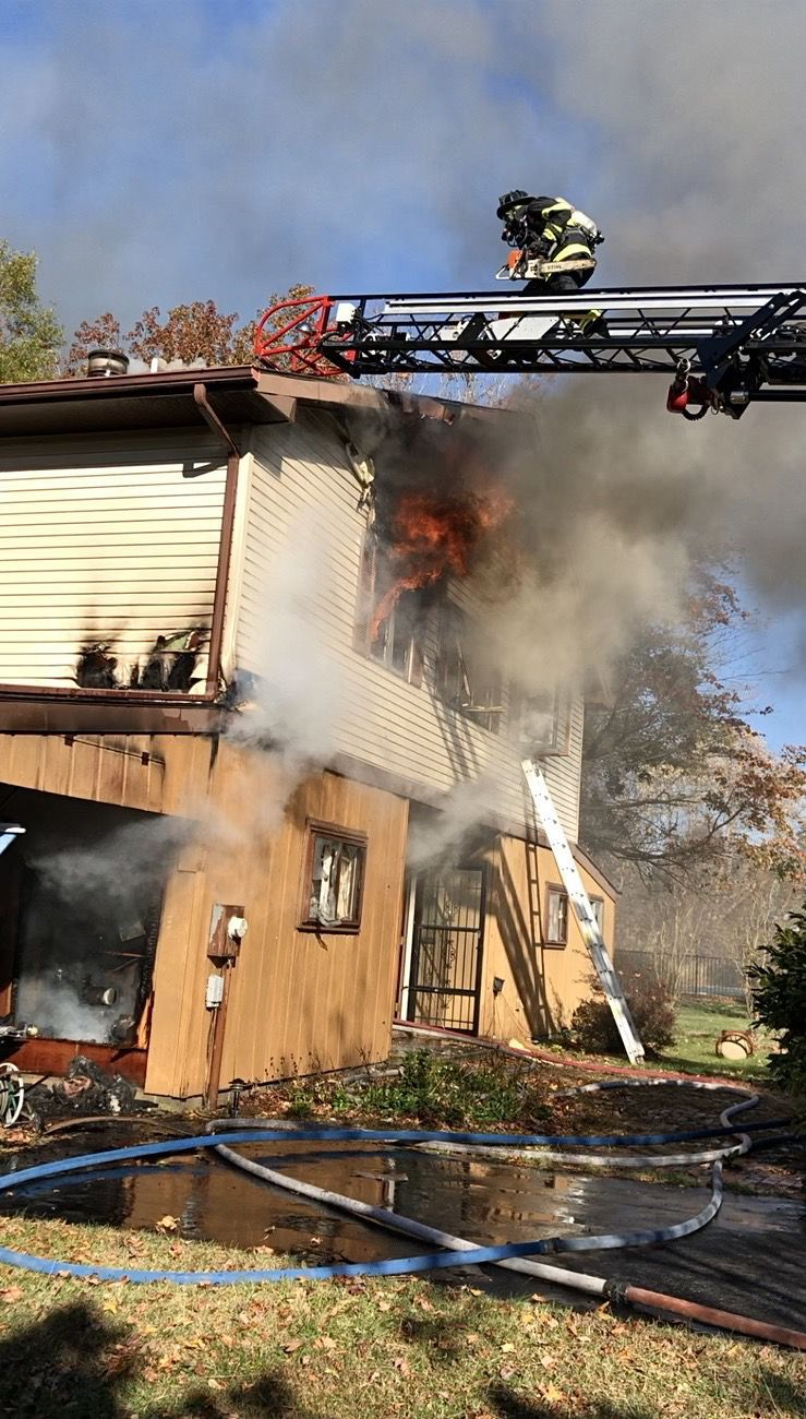 Fire destroys waterfront home in Wittman