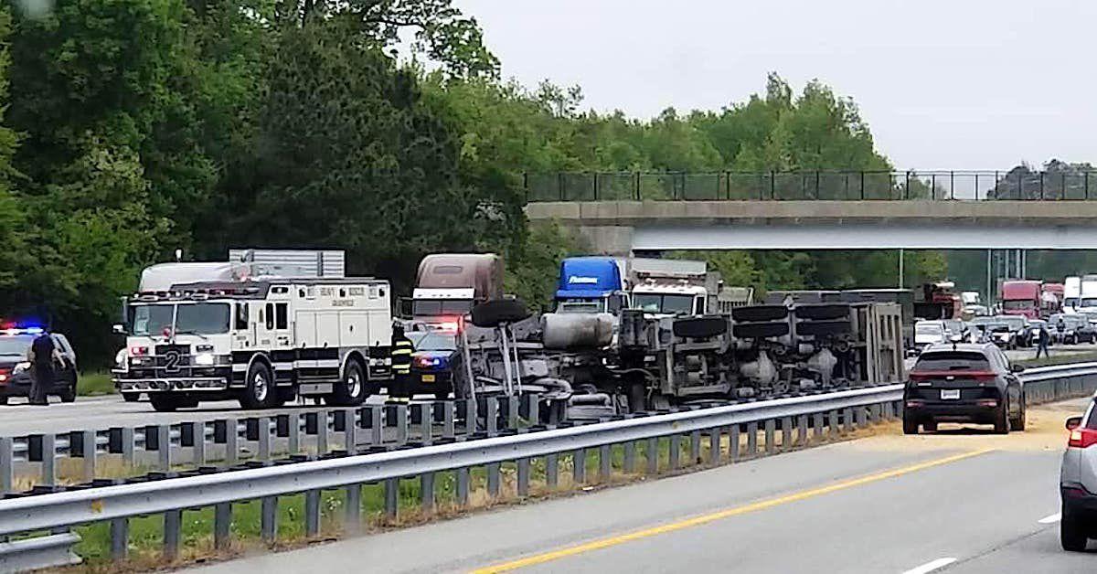 Dump truck overturns, driver dies | News | stardem com