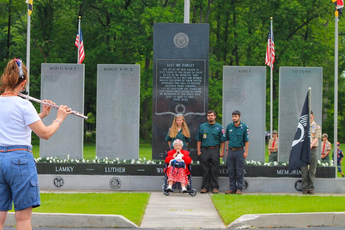 Community remembers its fallen soldiers