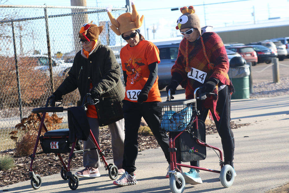 Turkey Trot brings out the serious and not-so-serious runners