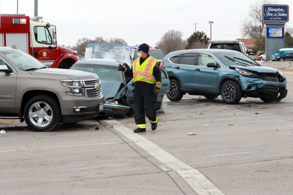 North Dakota man cited in crash that injures two