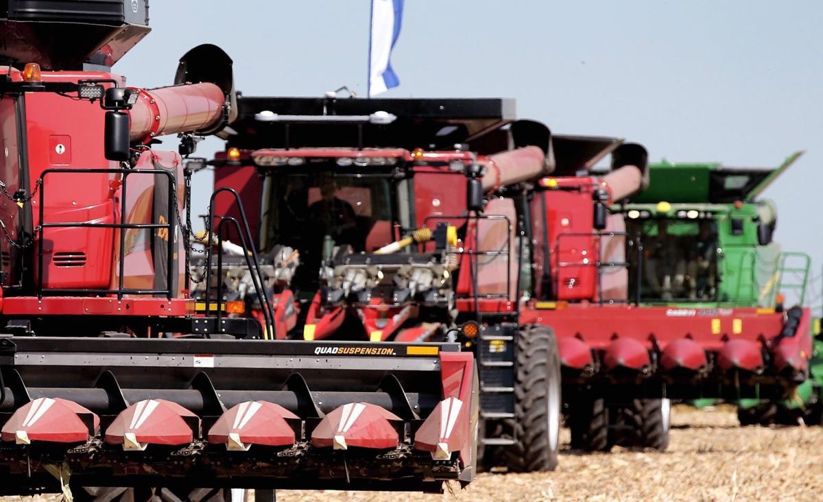 2 - Combine harvester-threshers