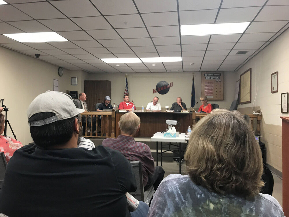 Council votes against mayor's city administrator appointment
