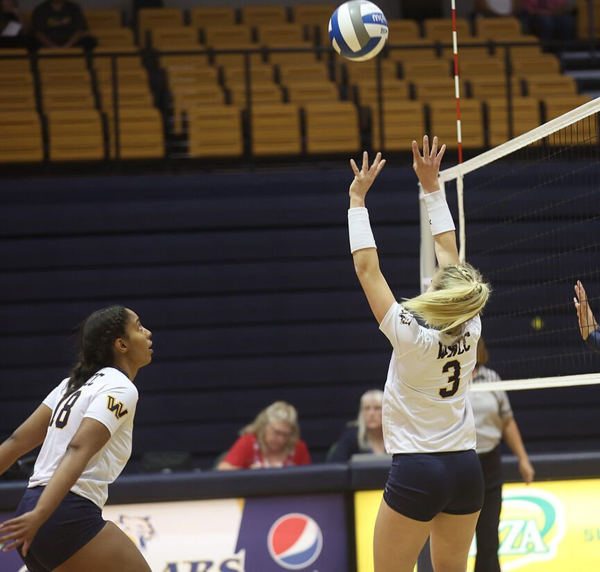 WNCC volleyball wins 15th game, sweeps Trinidad
