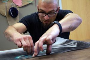 Art therapy helps patients express themselves