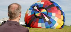Johnsons show the craft of hot air ballooning as Hot Air Balloon Championship nears