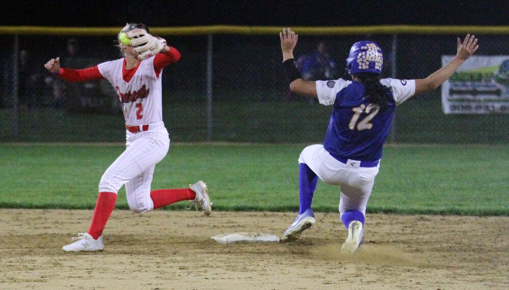 Bearcats softball outscores Bulldogs