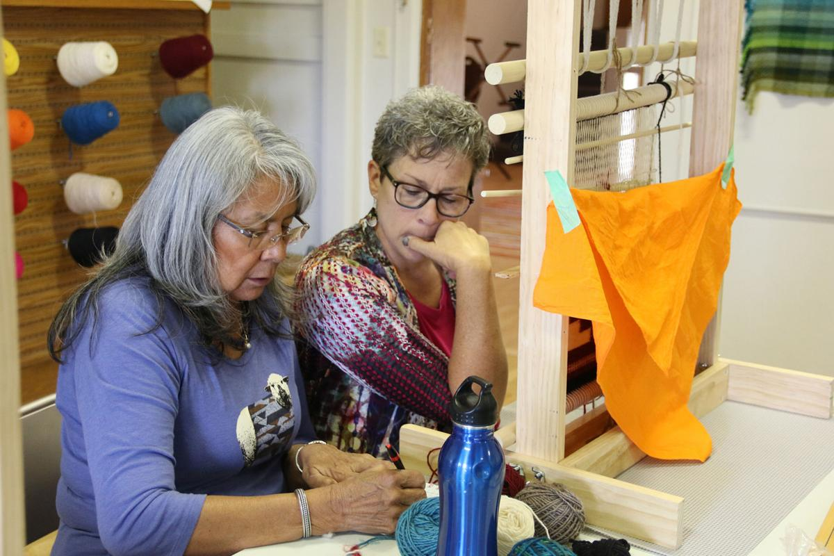 PHOTOS: Navajo weaving at Brown Sheep Company