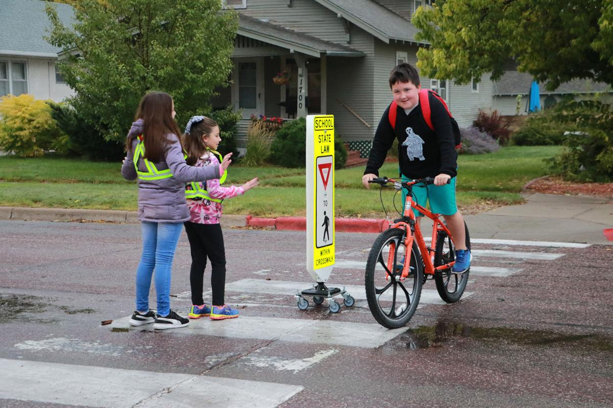 PHOTOS: Lincoln Elementary Walk to School Day 2019