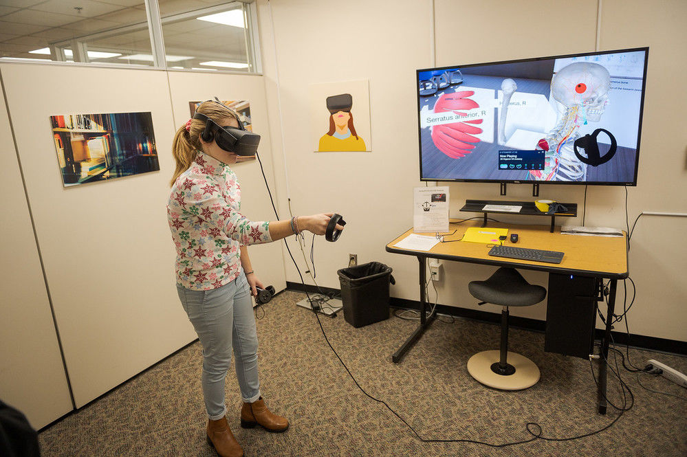Virtual Reality offers education benefits, recreation opportunities for CSC students