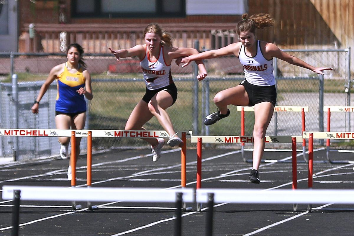 Sidney girls, boys take first at Mtichell Invite