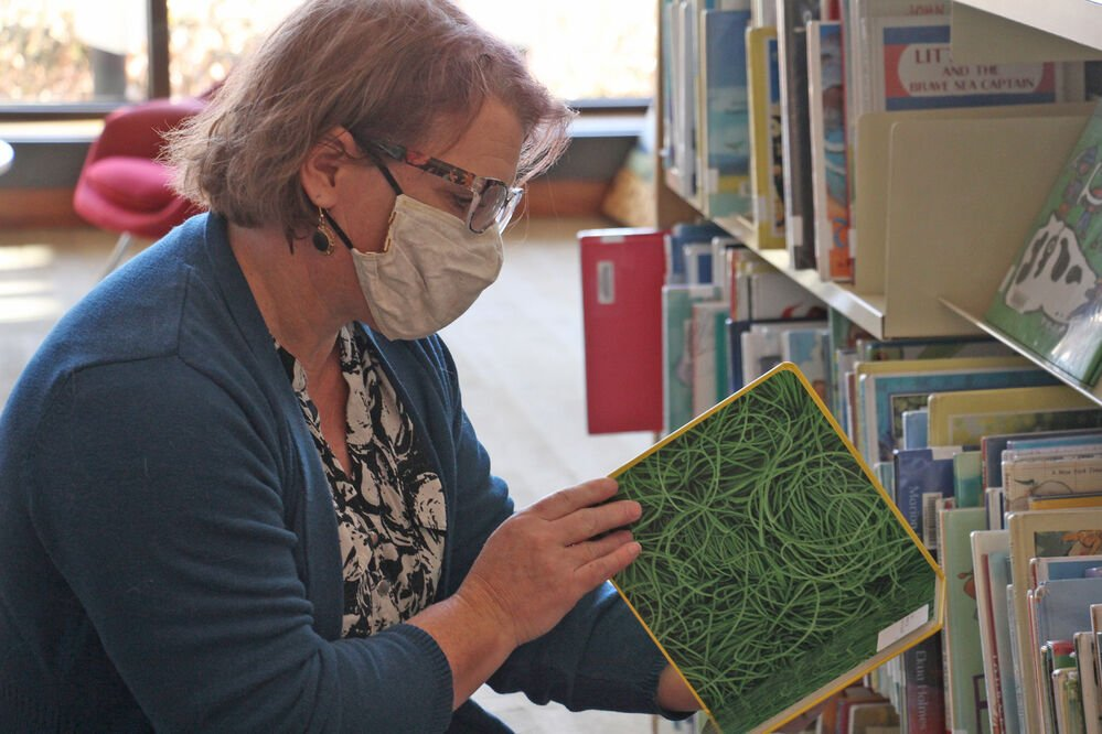 Lied Scottsbluff library eliminates past due book fees