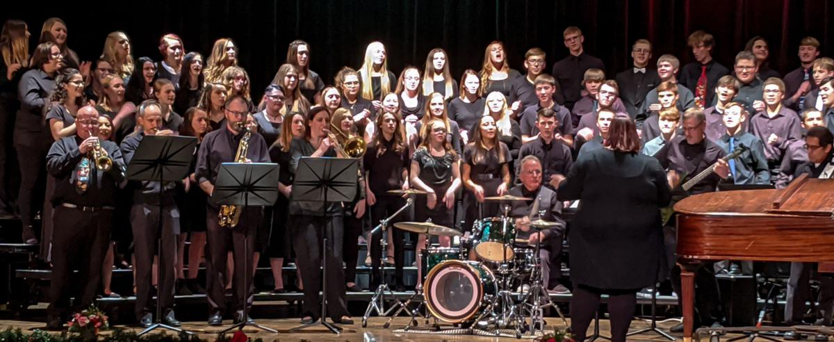 Goshen County schools join for Gala Christmas concert
