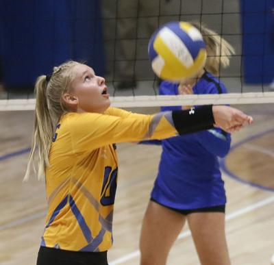 Gering volleyball team opens with two wins