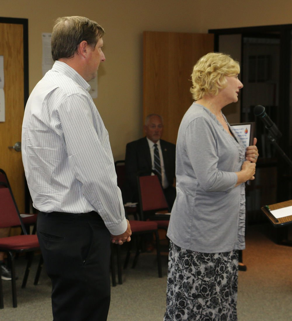 Scottsbluff recognizes former mayor, approves final 2019-20 budget