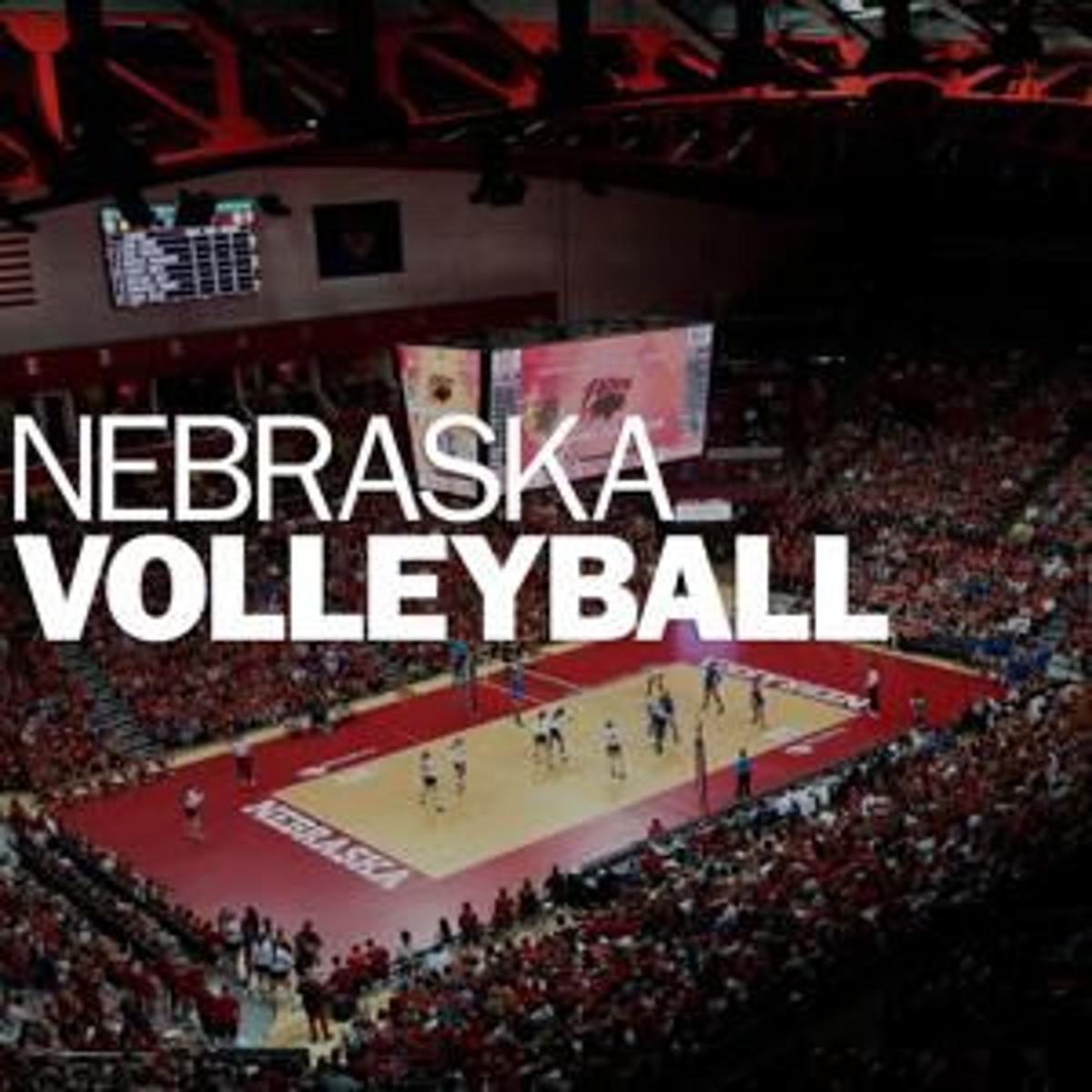 Third-ranked Nebraska volleyball sweeps Northwestern to