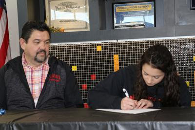 Gering's Becker inks with UNO for swimming