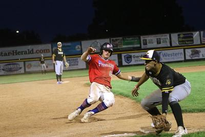 Sodbusters hold off Pioneers 9th inning rally