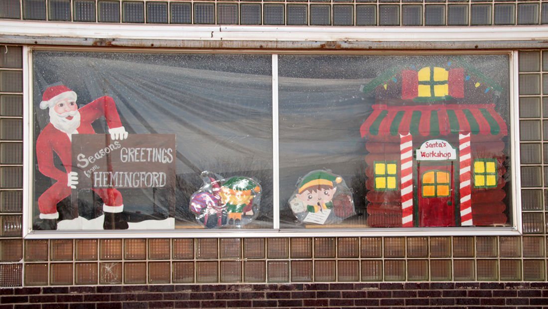 Photos hhs art students decorate local businesses windows for photos hhs art students decorate local businesses windows for holiday season local news starherald m4hsunfo