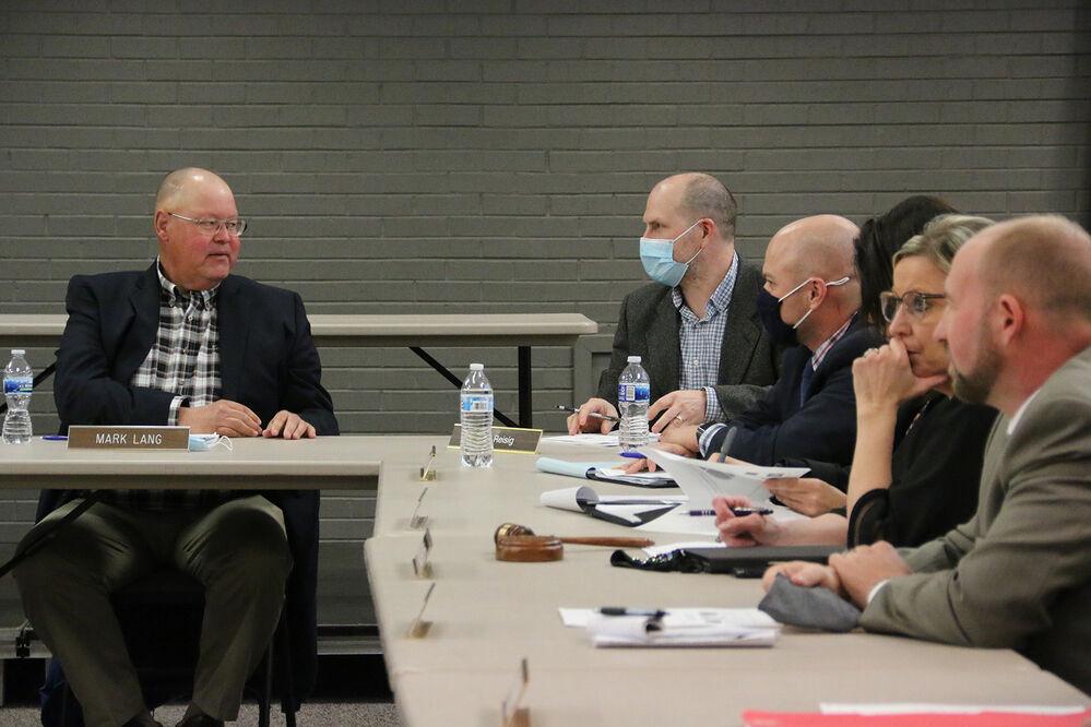 Entities discuss proposed aquatic center
