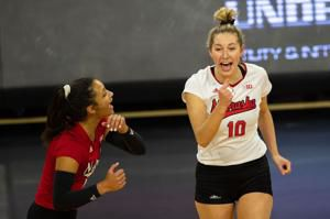 Nebraska volleyball bounces back from loss with sweep of Maryland