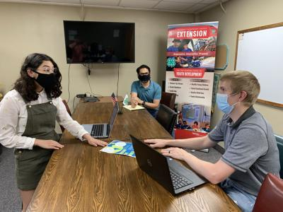 PANHANDLE PERSPECTIVES: Teen teacher for elementary students