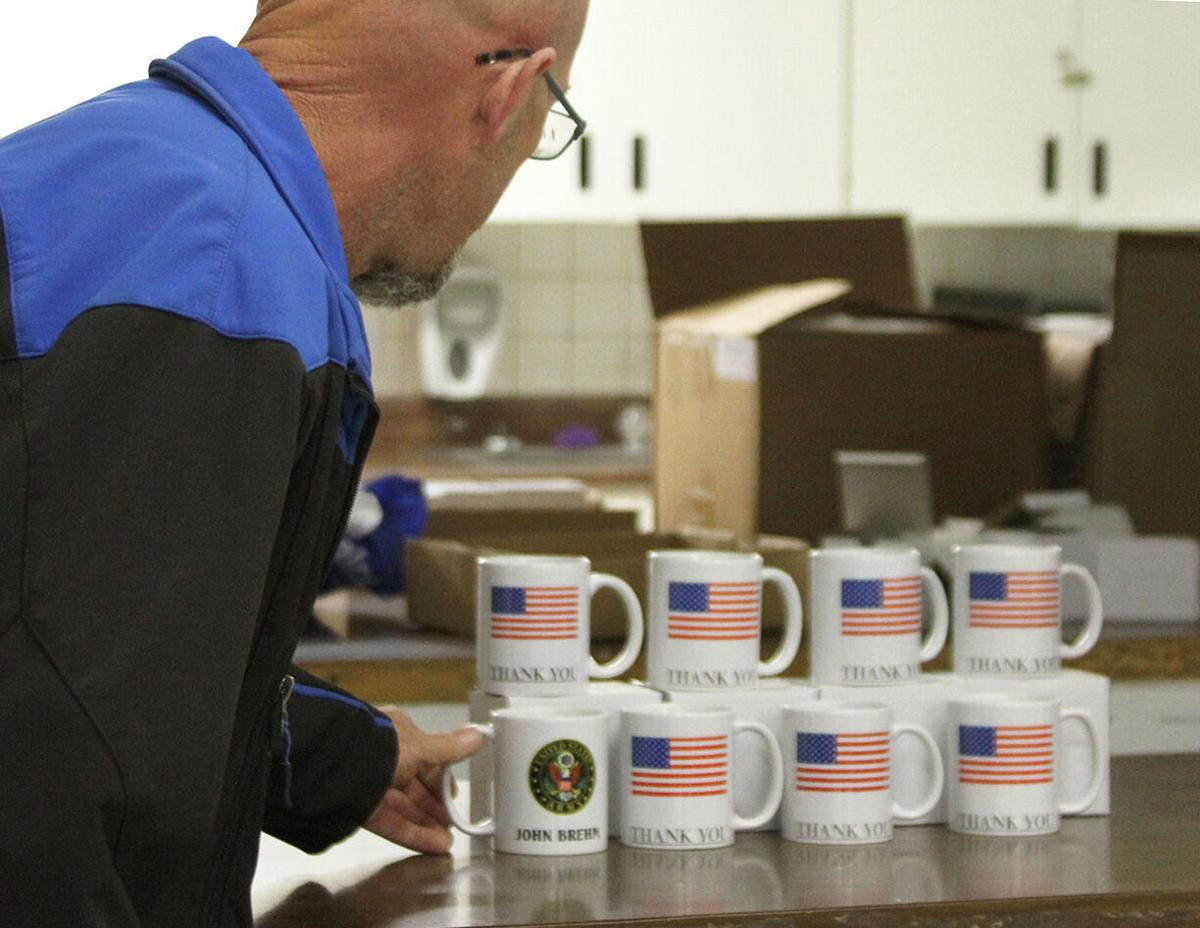Man makes mugs for veterans' home