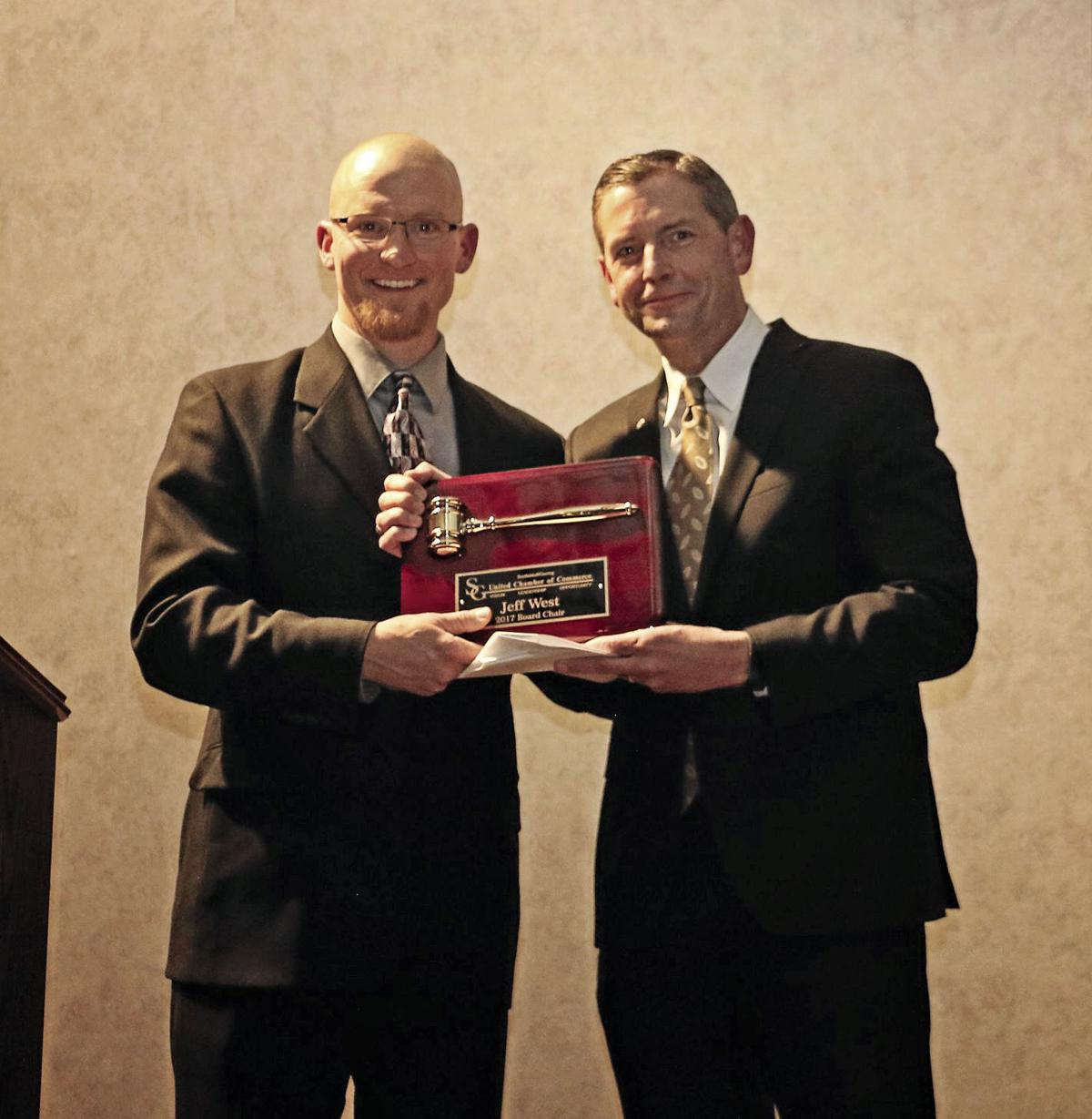 Leaders lauded at annual chamber of commerce banquet local news leaders lauded at annual chamber of commerce banquet malvernweather Gallery