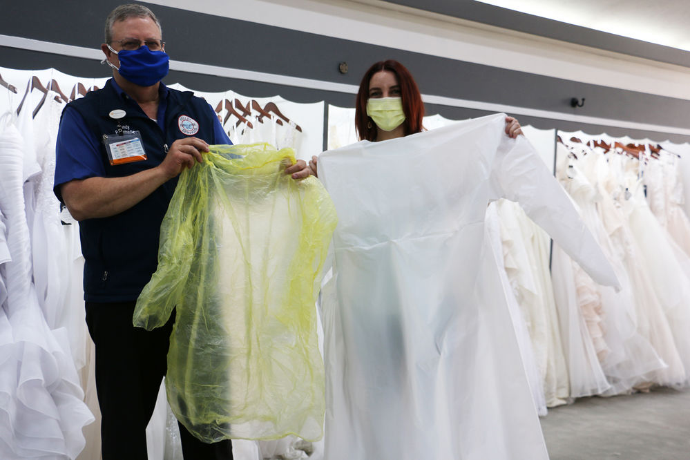 A Bridal Affair turns to making medical gowns