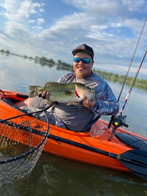 Colby Risseeuw reels in 21 1/2 inch largemouth bass