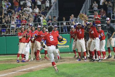 Frank's walk-off lifts Pioneers to 9-7 win