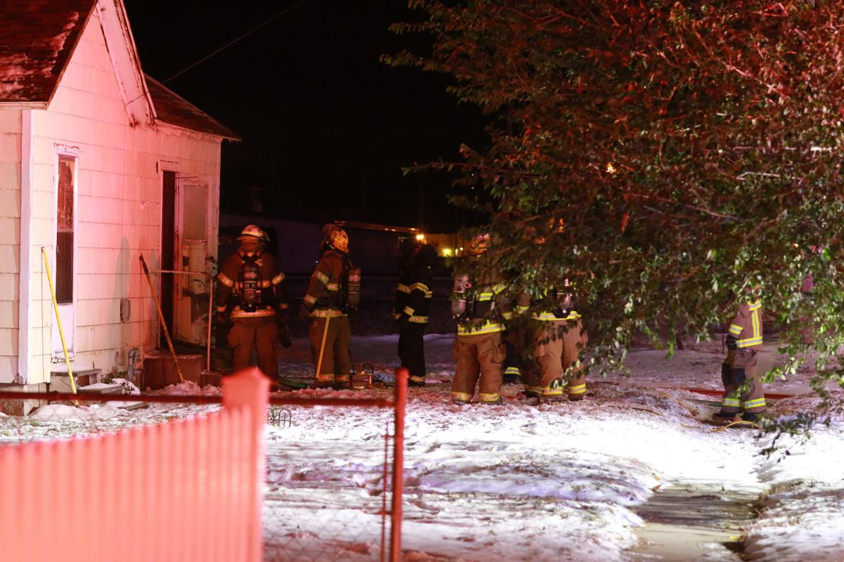 PHOTOS: Early morning house fire displace man
