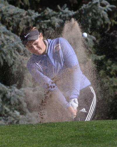 Schlaepfer starting her college golf career with a bang
