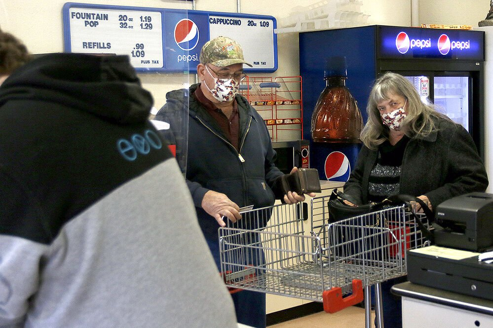 Bayard residents discuss grocery store's imminent closure