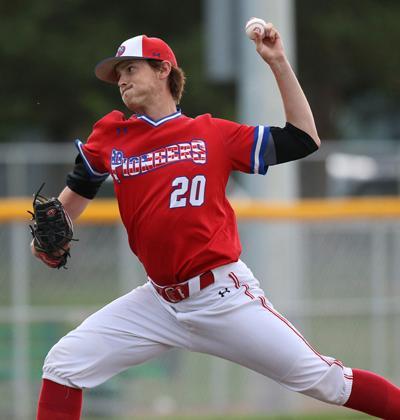 Broxterman pitches Pioneers past Sasquatch