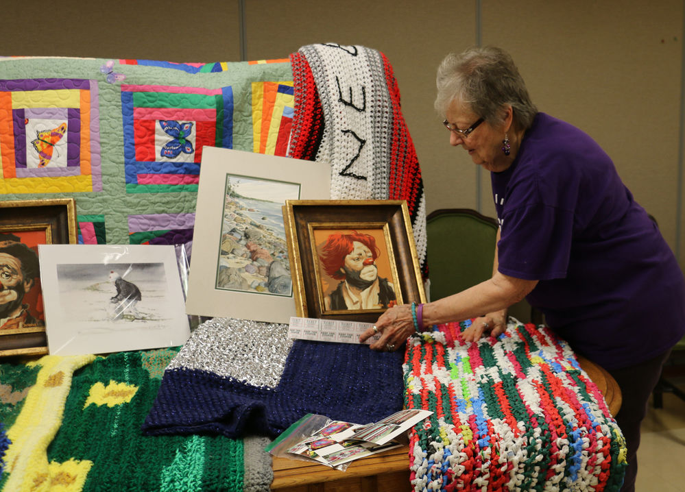 Support group hosting Alzheimer's fundraisers