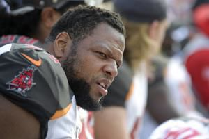 Former Husker Ndamukong Suh reportedly re-signs with Tampa Bay Buccaneers
