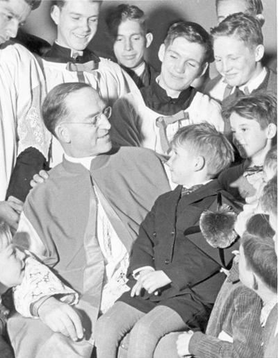 FR FLANIGAN W/BOYS