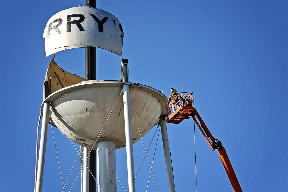 End of an era: Terrytown water tower comes down