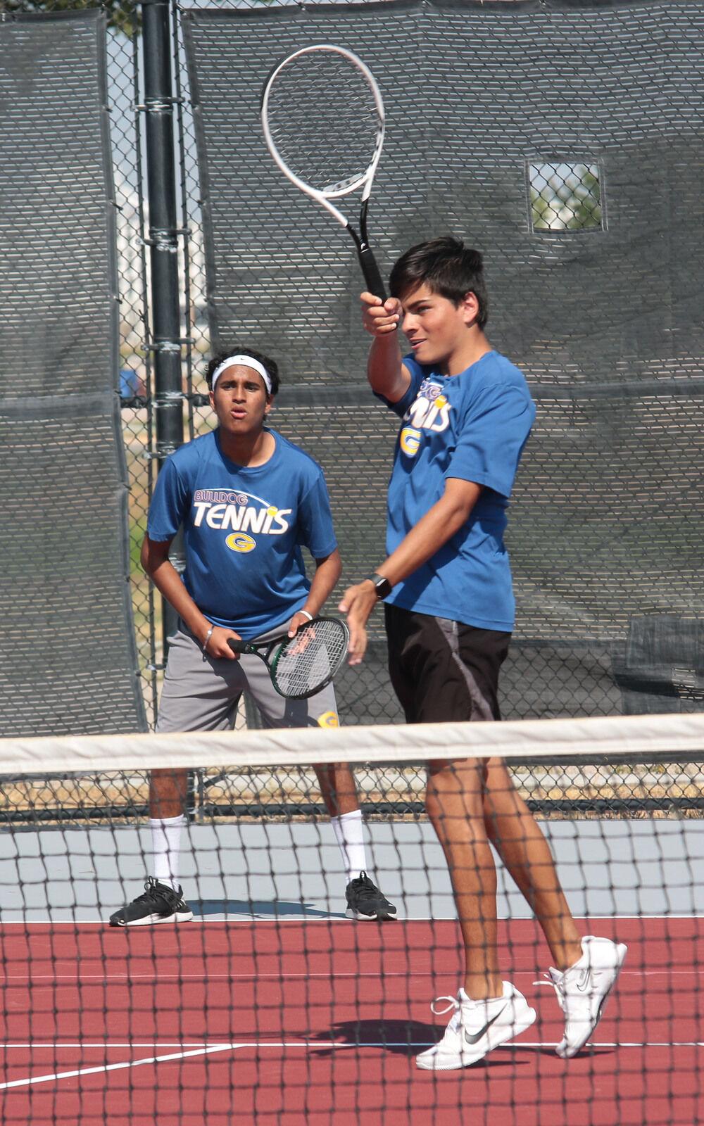 Bearcats tennis hosts Bulldogs
