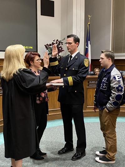 Rowlett's new chief gets sworn in