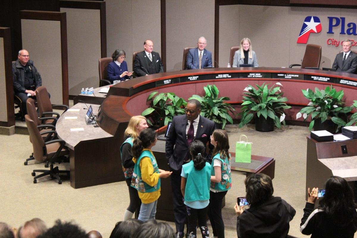 LaRosiliere and Plano girl scouts