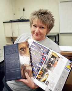 Mhs Yearbook Advisor Lori Oglesbee Students Overcame Crime