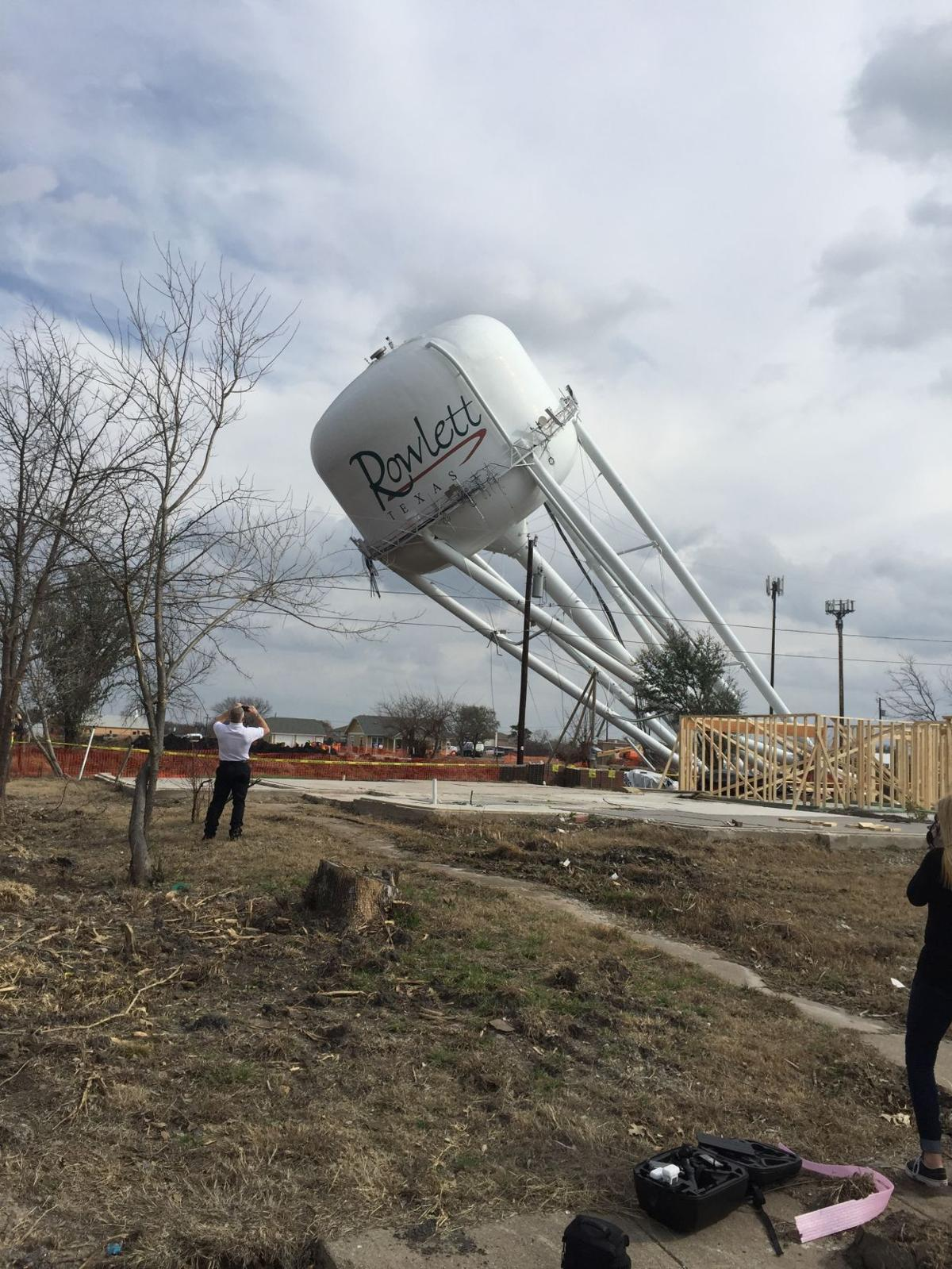 Water Tower Demolition K25 : Rowlett water tower comes down lakeshore times