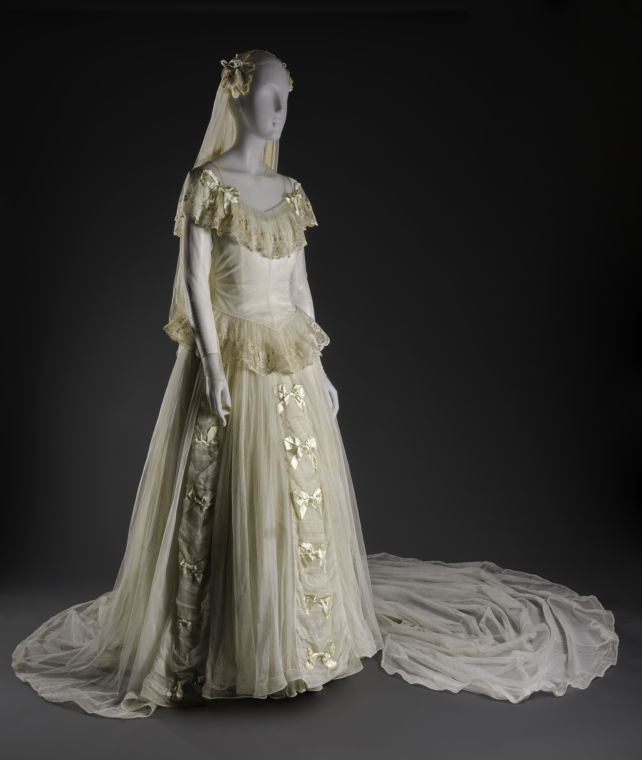Vintage Wedding Dresses Chicago: UNT Says 'yes To The Dress' With Bridal Exhibition